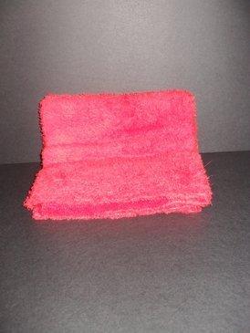 "Long Pile Edgeless Red Microfiber Towel (450 GSM, 16"" X 16"")"